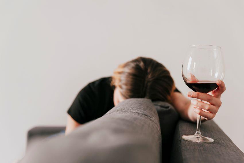 relacion entre alcohol y depresion