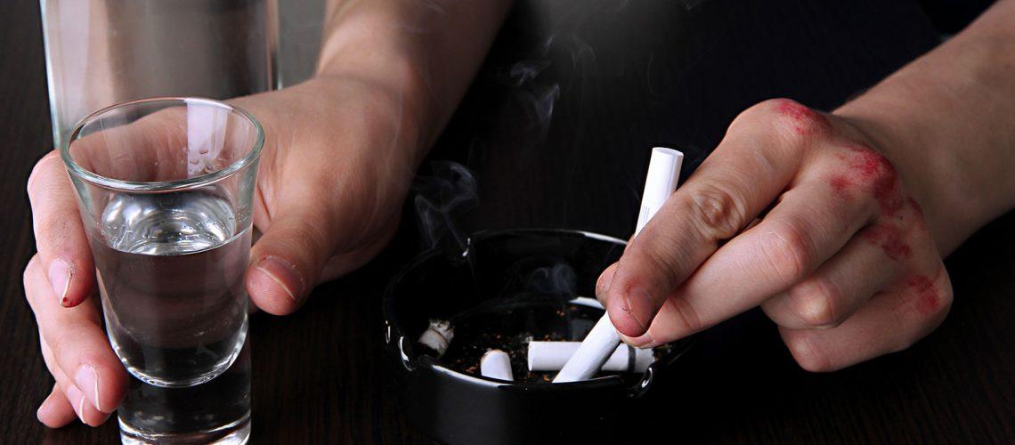 Dependencia Alcohol y Tabaco